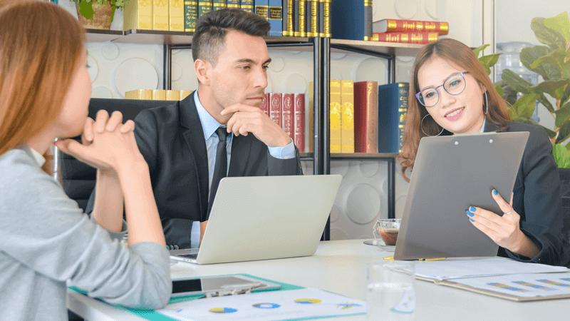 Consultoria especializada: descubra as vantagens e desvantagens para seu negócio